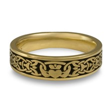 Narrow Claddagh Wedding Ring in 18K Yellow Gold