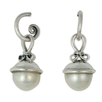 Madelaine Earrings in Pearl
