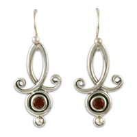Viola Earrings with Gems in Garnet