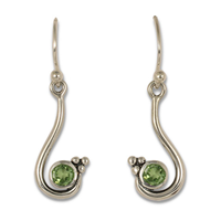 Celada Earrings with Gem in Peridot