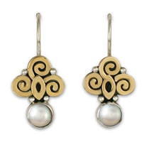 Elixir Earrings in Pearl