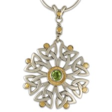 Arbor Dangle Pendant in Peridot