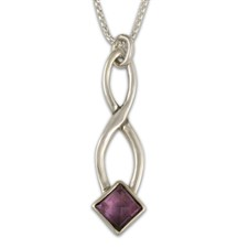 Twist Pendant in Amethyst