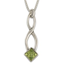 Twist Pendant in Peridot