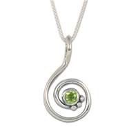Celada Pendant with Gem in Peridot